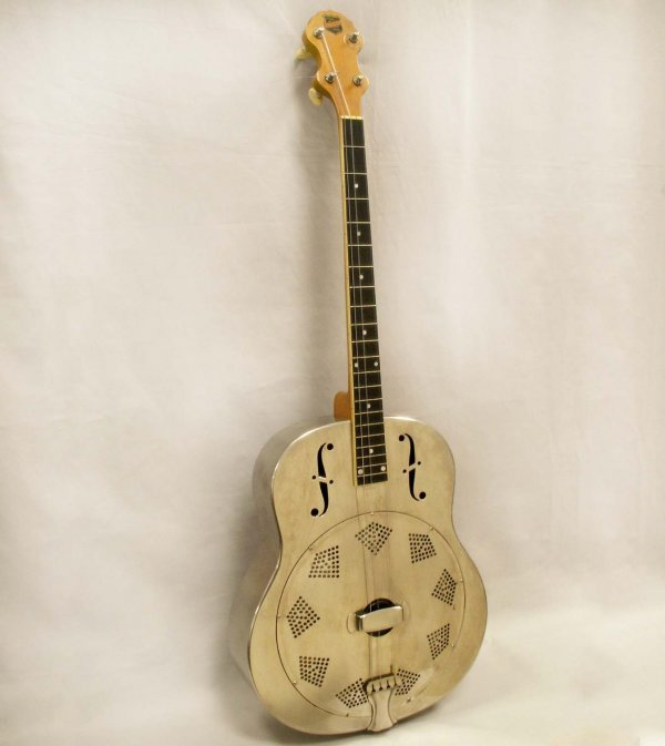 18: VINTAGE NATIONAL STEEL TENOR GUITAR #848 WITH CASE