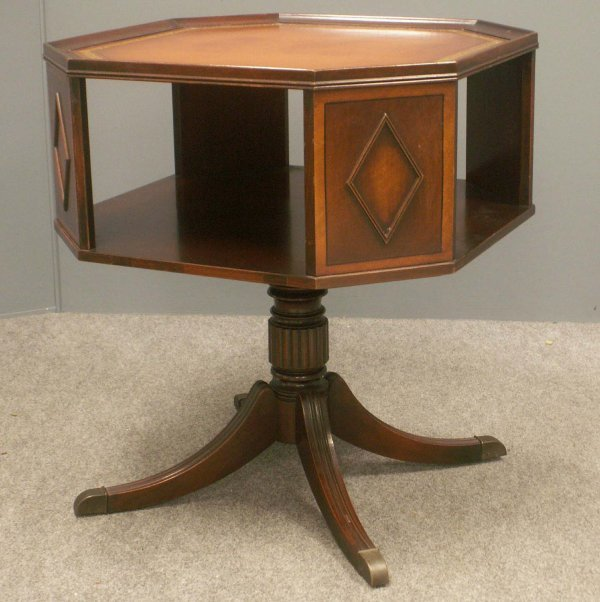 1007: REGENCY STYLE MAHOGANY LEATHER-TOP END TABLE