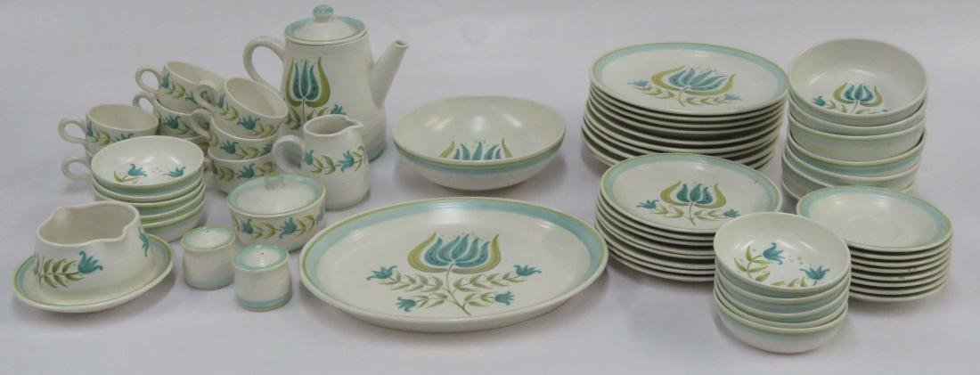 SET FRANCISCAN EARTHEN WARE SERVICE FOR (10) WITH
