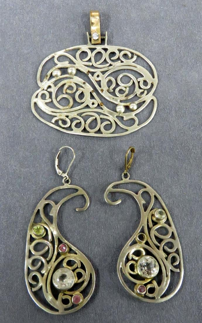 SET CUSTOM MADE SILVER EARRINGS AND SILVER PENDANT WITH