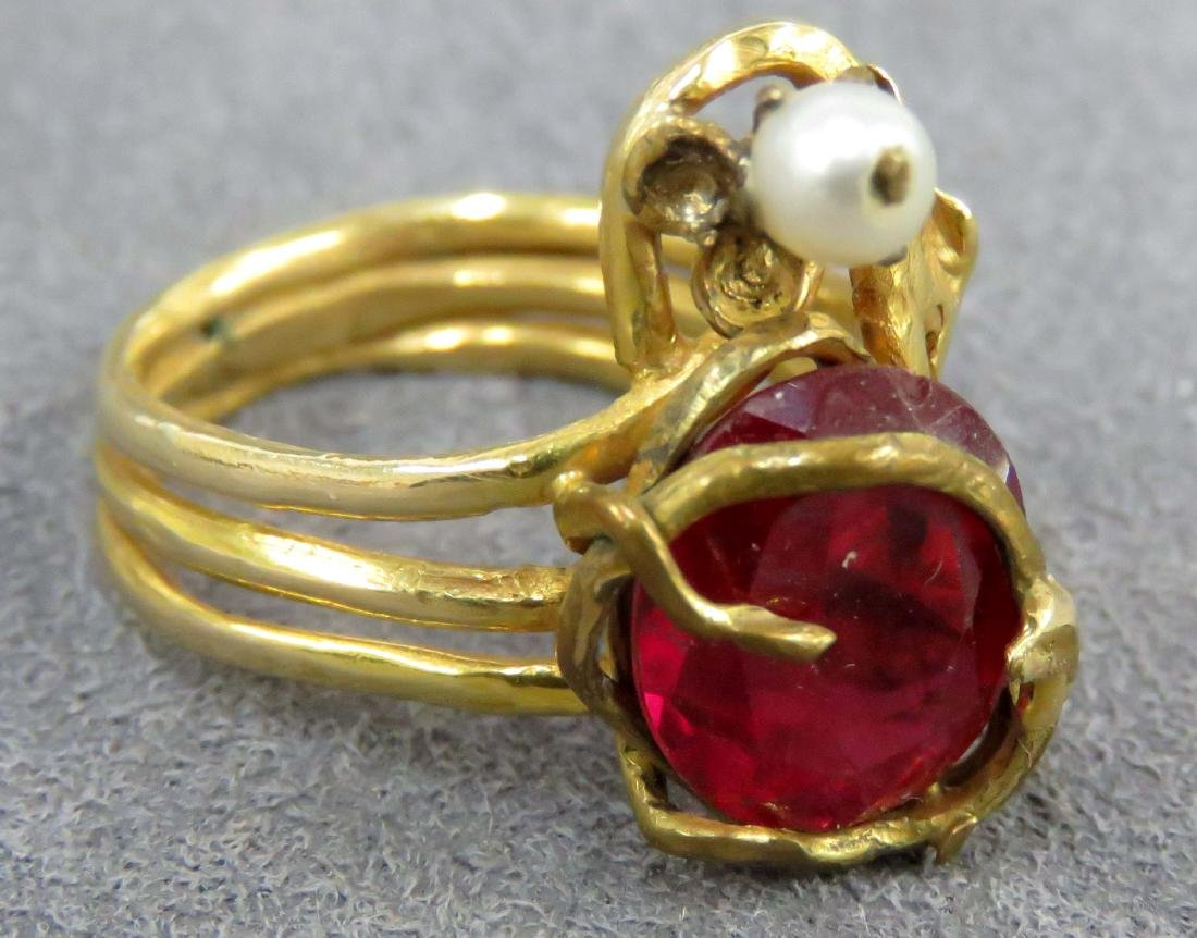 CUSTOM MADE YELLOW GOLD (TESTS 14K) SYNTHETIC RUBY AND