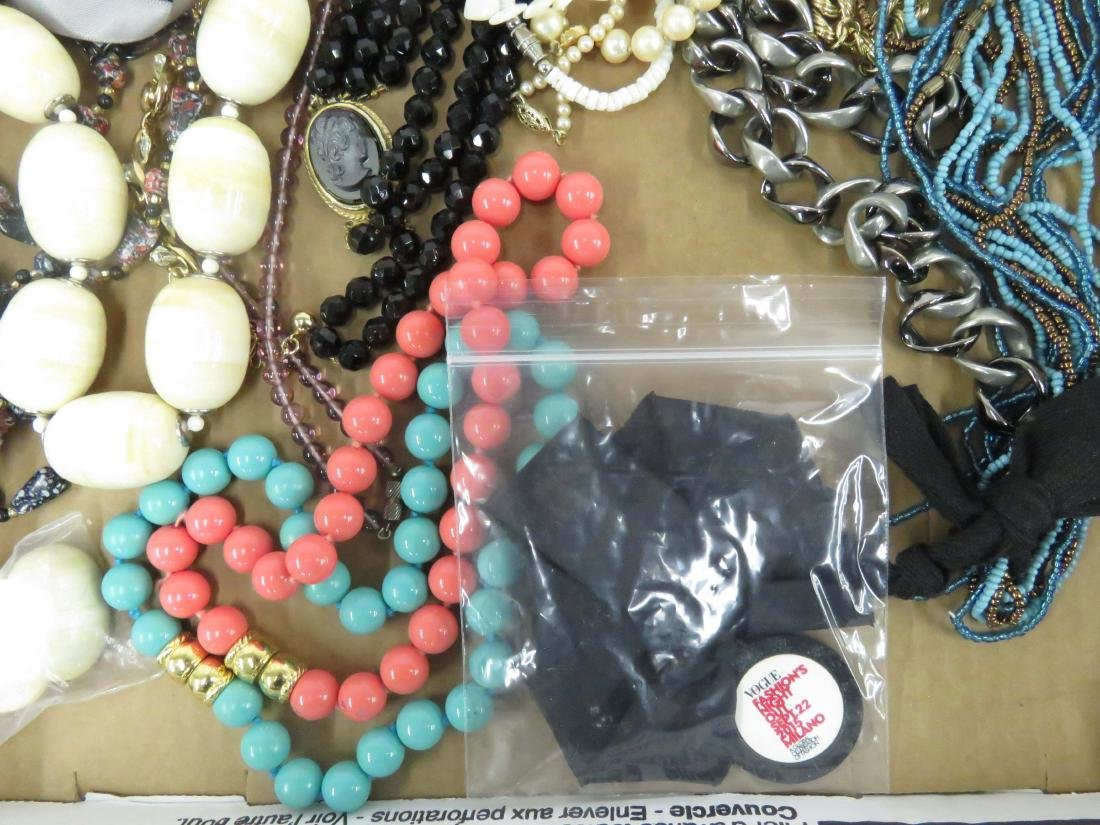 LOT ASSORTED COSTUME JEWELRY NECKLACES INCLUDING - 2