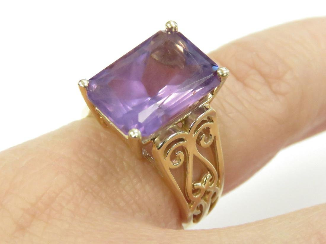 14K YELLOW GOLD AND AMETHYST RING, AMETHYST
