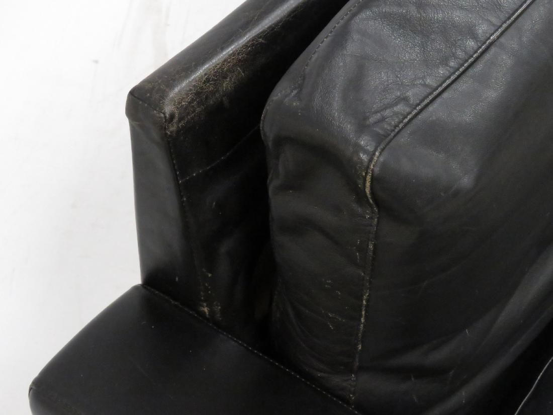 MID-CENTURY DESIGNER BLACK LEATHER/STAINLESS SOFA. - 6