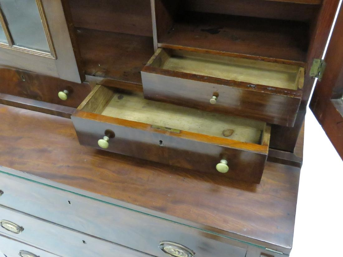 FEDERAL MAHOGANY SECRETARY/DESK, 19TH CENTURY. HEIGHT - 2