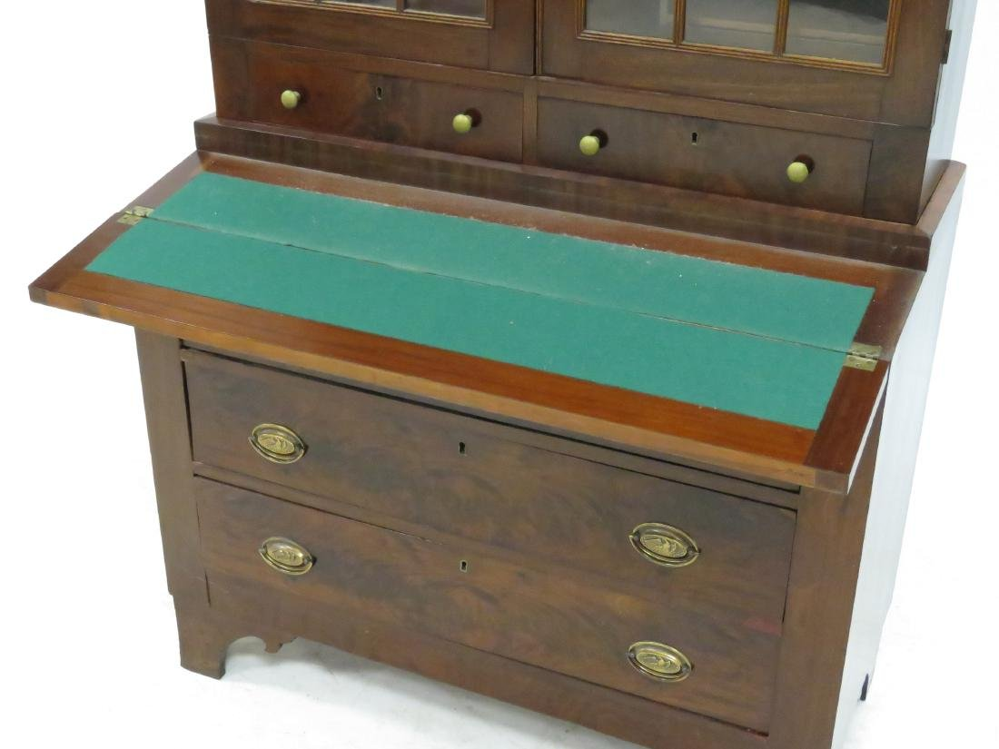 FEDERAL MAHOGANY SECRETARY/DESK, 19TH CENTURY. HEIGHT - 3