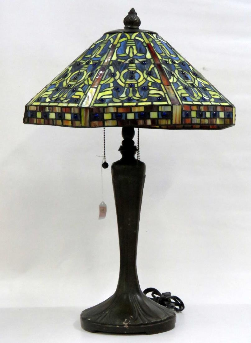 "TIFFANY STYLE LEADED GLASS TABLE LAMP. HEIGHT 30"";"