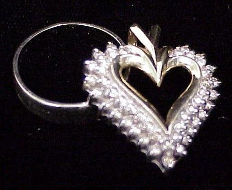 7: 14K/DIAMOND HEART PENDANT & WEDDING BAND