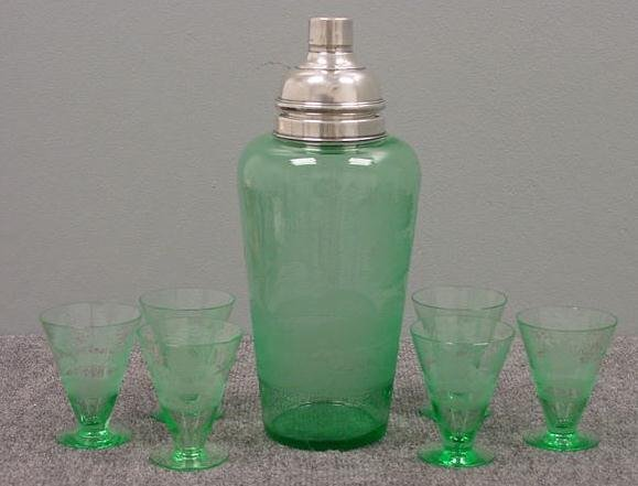 18: HAWKES GREEN GLASS COCKTAIL SHAKER SET