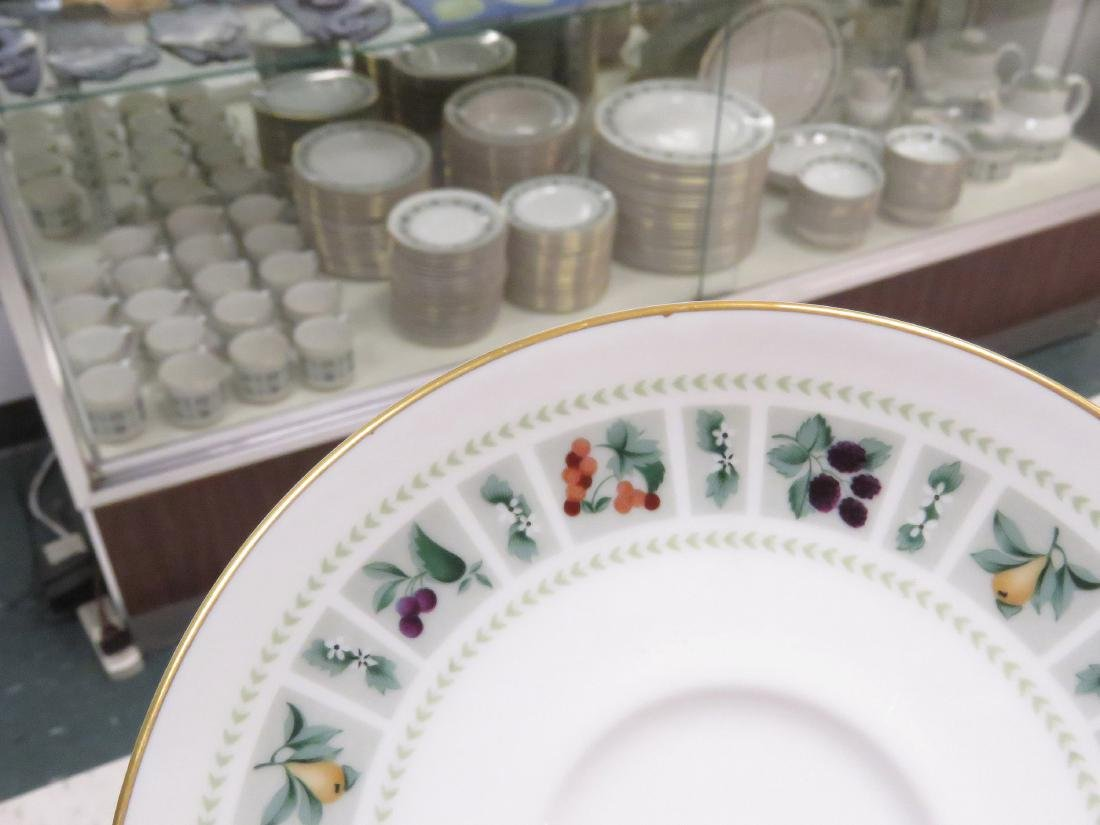 "SET (176) ROYAL DOULTON PORCELAIN ""TAPESTRY"" DINNERWARE"