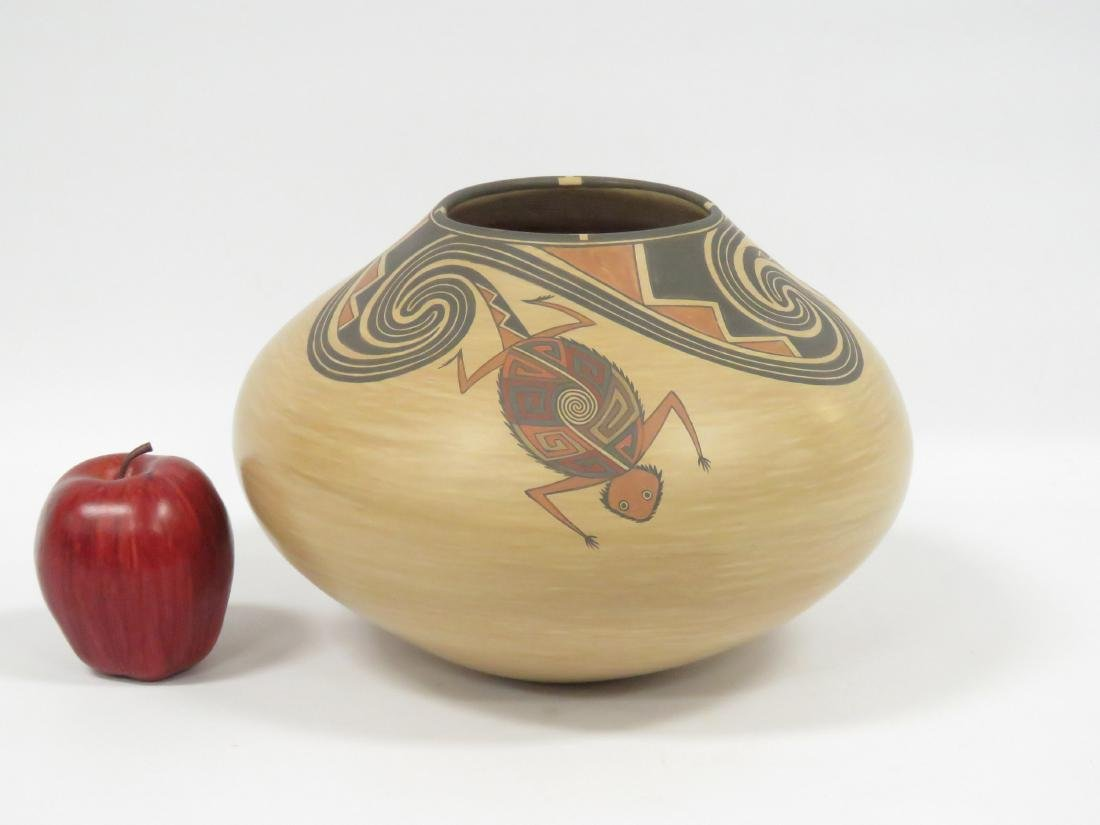 FINE SOUTH WEST AMERICAN INDIAN DECORATED POTTERY - 2