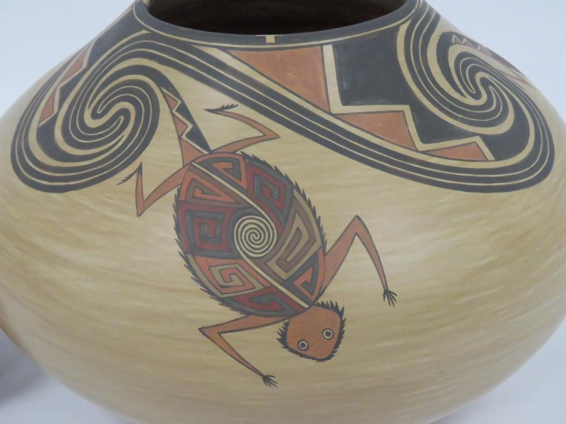 FINE SOUTH WEST AMERICAN INDIAN DECORATED POTTERY - 3