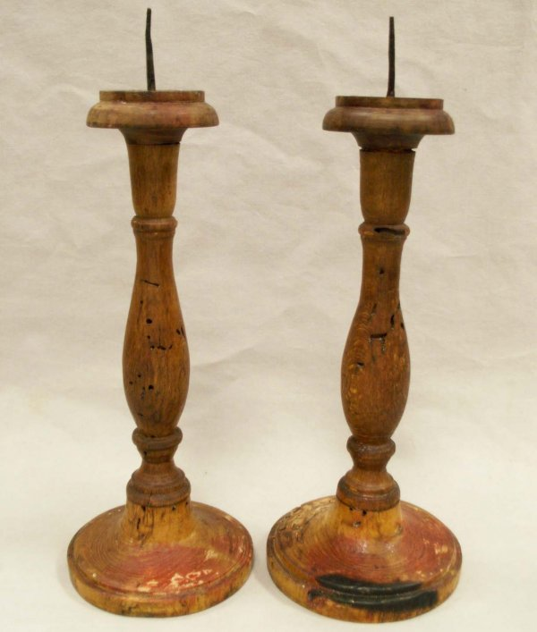 1006: PAIR TURNED WOOD PRICKET CANDLESTICKS