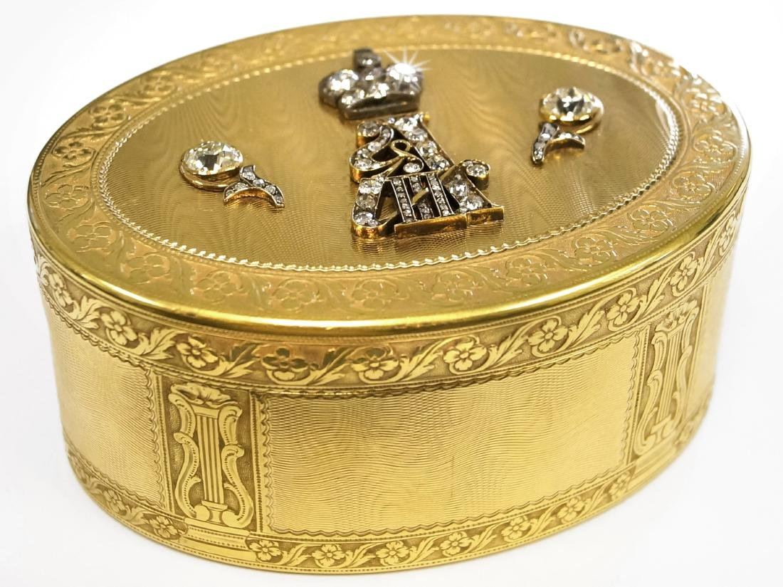 IMPERIAL PRESENTATION JEWELED GOLD SNUFF BOX, PARIS,