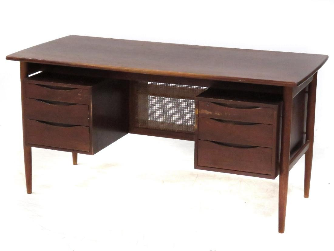 MID-CENTURY MODERN TEAK DESK WITH FLOATING TOP. HEIGHT