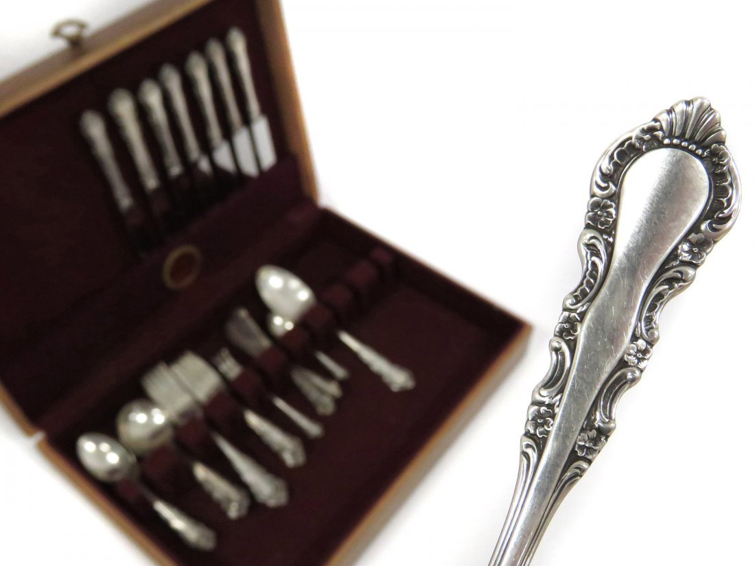 "SET REED AND BARTON ""GEORGIAN ROSE"" STERLING FLATWARE"