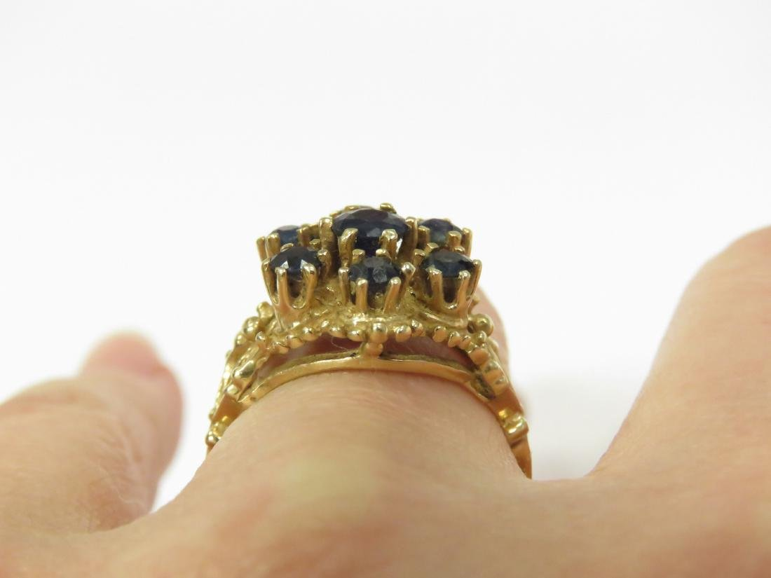 14K YELLOW GOLD AND SAPPHIRE RETICULATED COCKTAIL RING. - 2