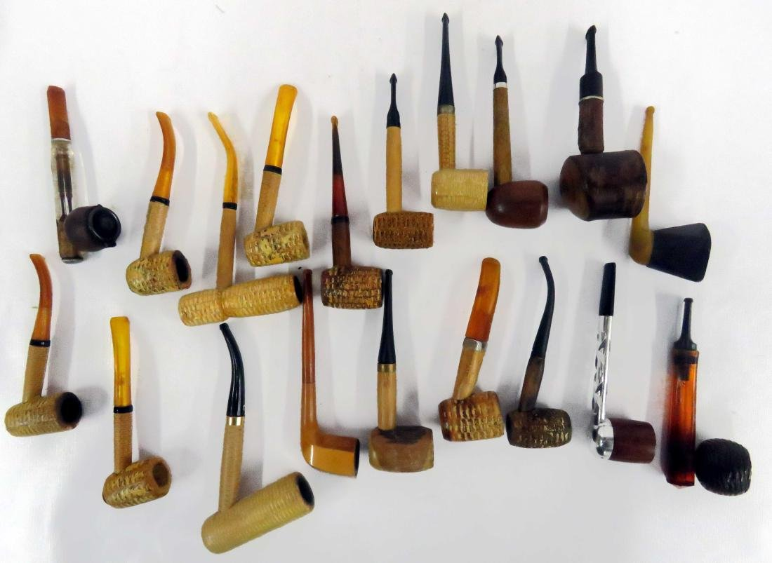 LOT ASSORTED CORN COB PIPES (MISSOURI MEERSCHAUM), ART