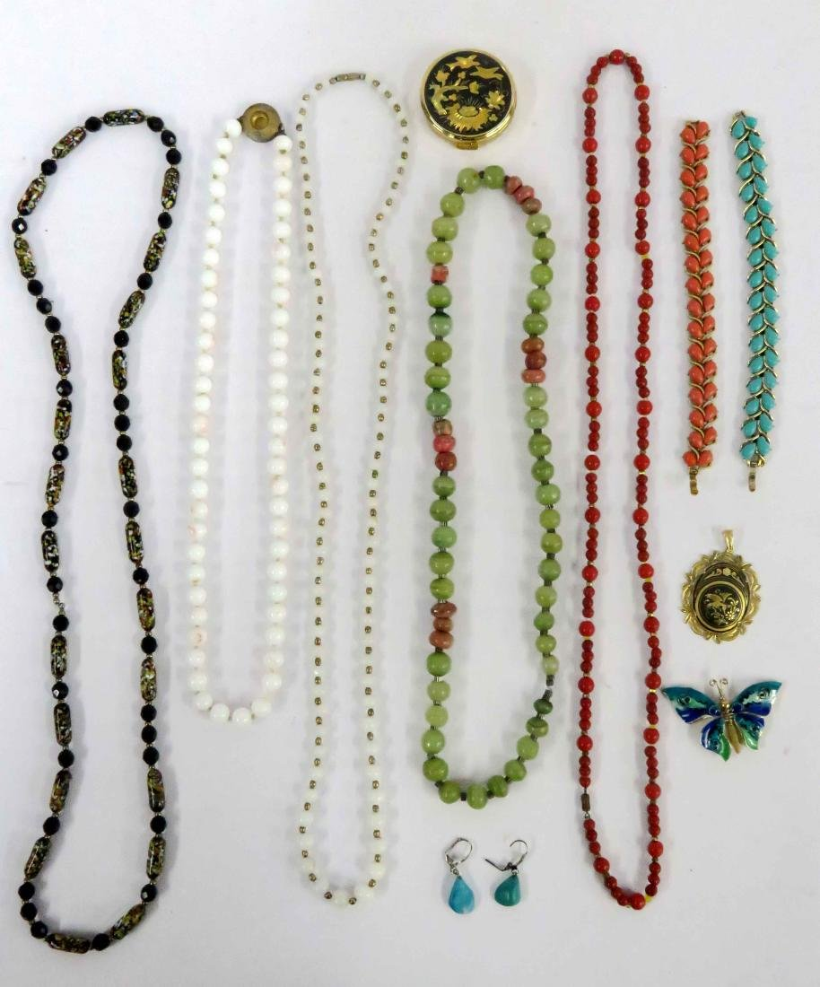 TRAY LOT COSTUME JEWELRY INCLUDING NECKLACES,