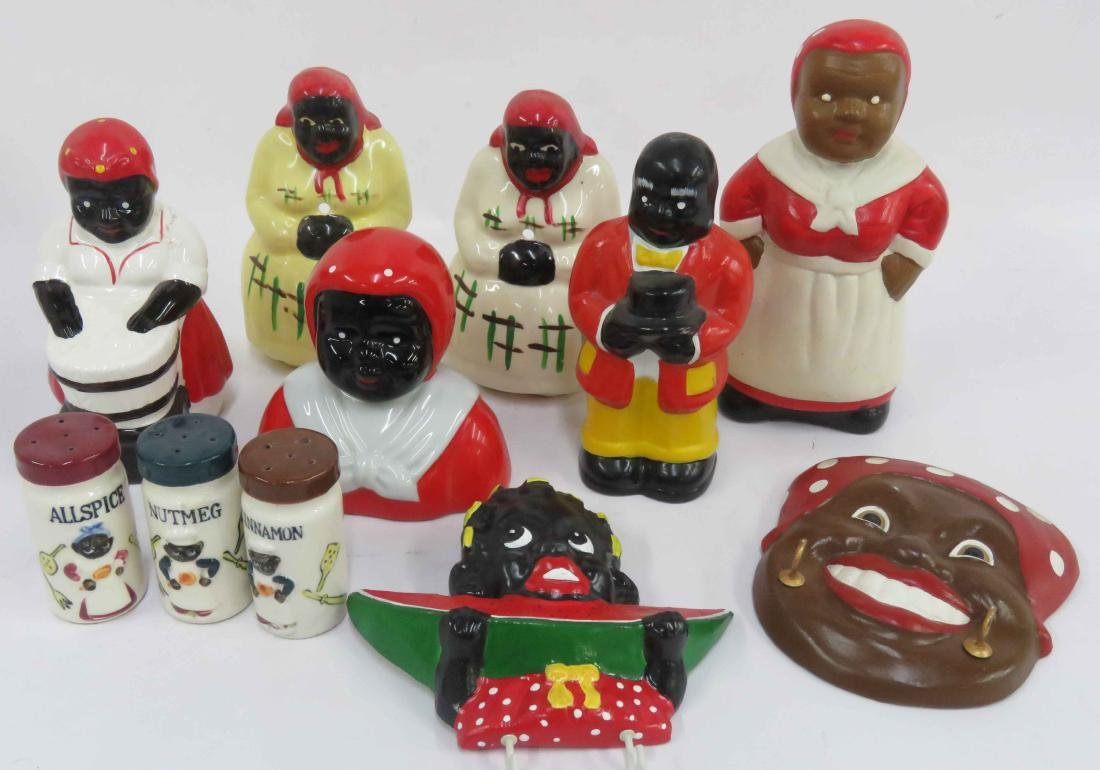 LOT BLACK AMERICANA INCLUDING POTTERY FIGURES, PLATES,