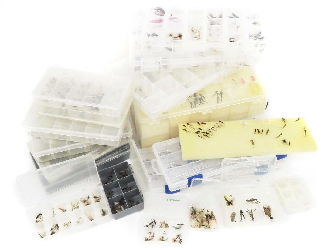 BOX LOT ASSORTED HAND TIED FISHING FLIES/CASES