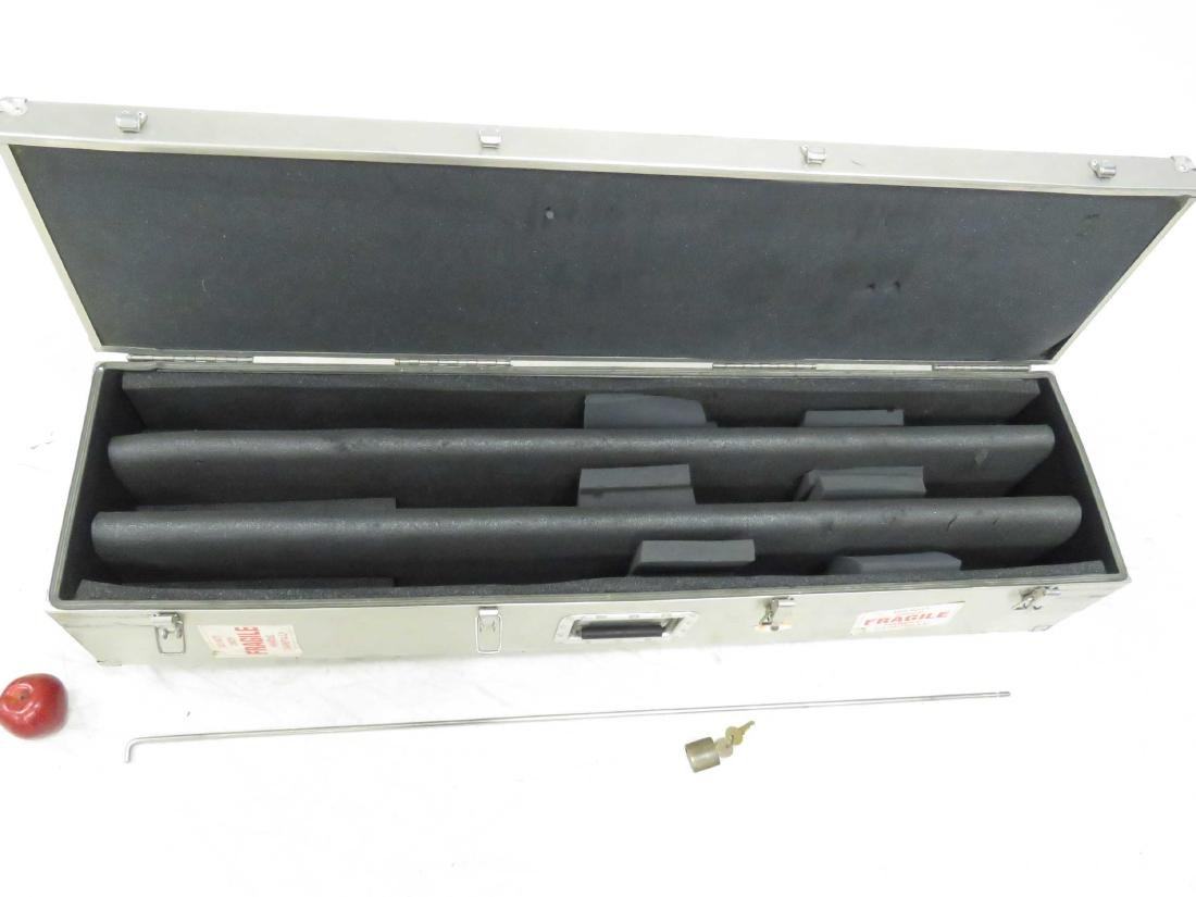 NIELSEN SESSIONS 3-GUN ALUMINUM ROLLING GUN VAULT. - 2