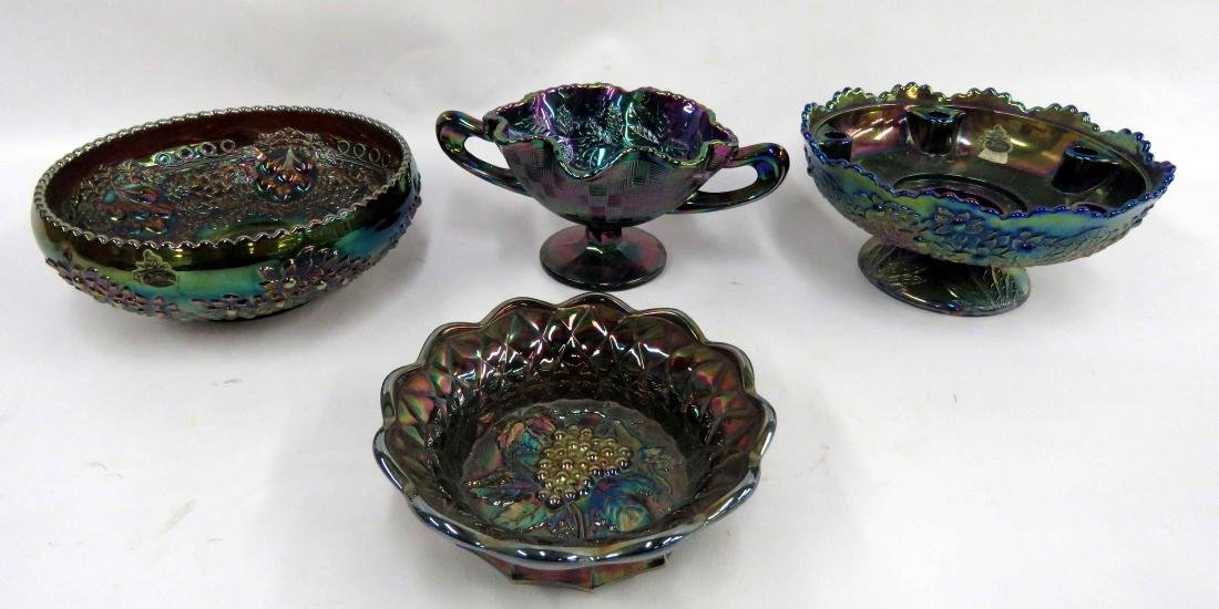 LOT (4) ASSORTED FENTON CARNIVAL GLASS BOWLS, SIGNED.