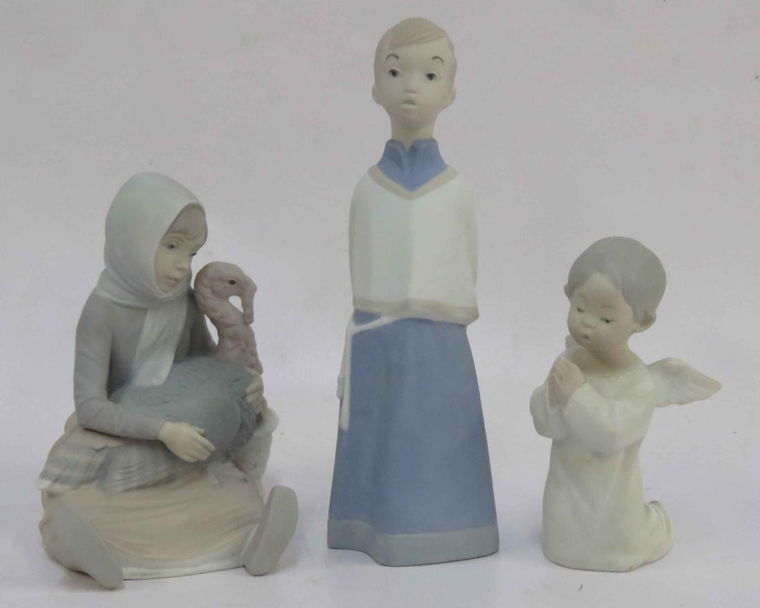 LOT (3) LLADRO MAT PORCELAIN FIGURINES INCLUDING GIRL