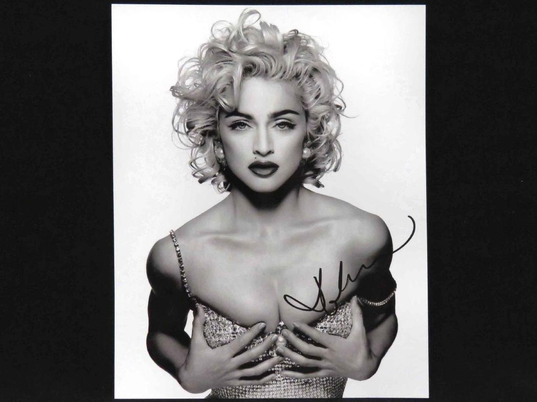 MADONNA (AMERICAN SINGER/ACTRESS 1958-), SIGNED