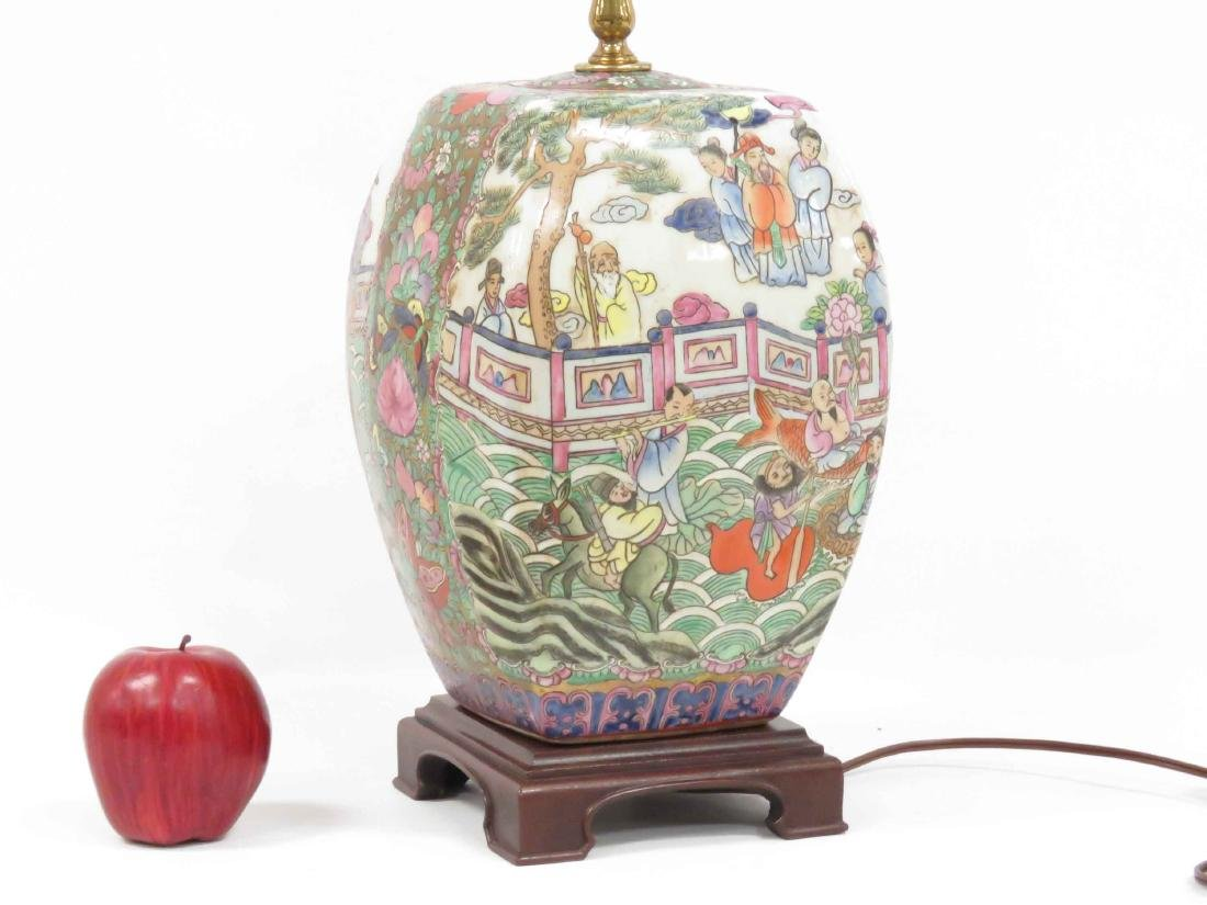 CHINESE FAMILLE ROSE DECORATED PORCELAIN TABLE LAMP. - 3