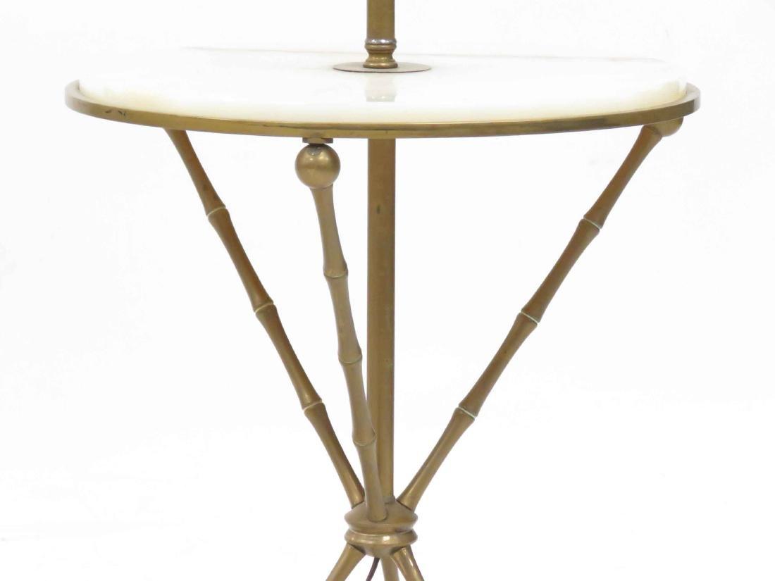 MID-CENTURY BRASS/ONYX FLOOR LAMP WITH MEDIAN SHELF. - 2
