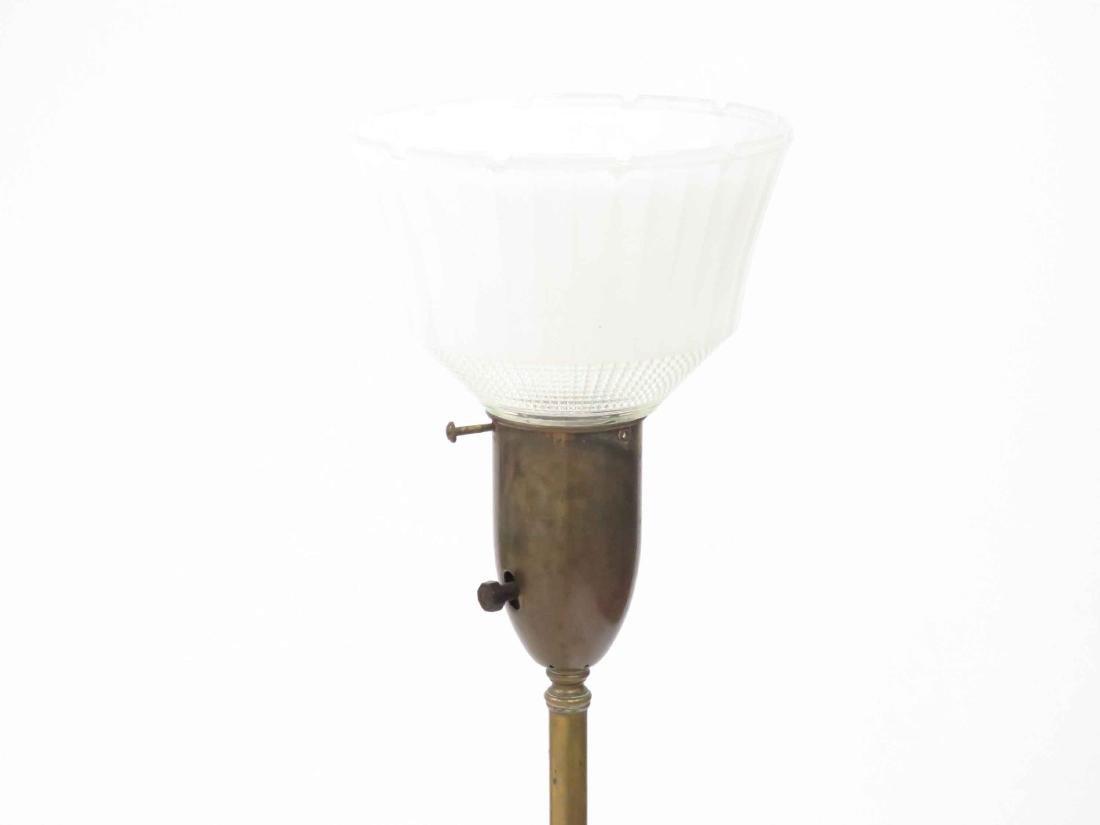 MID-CENTURY BRASS/ONYX FLOOR LAMP WITH MEDIAN SHELF. - 4