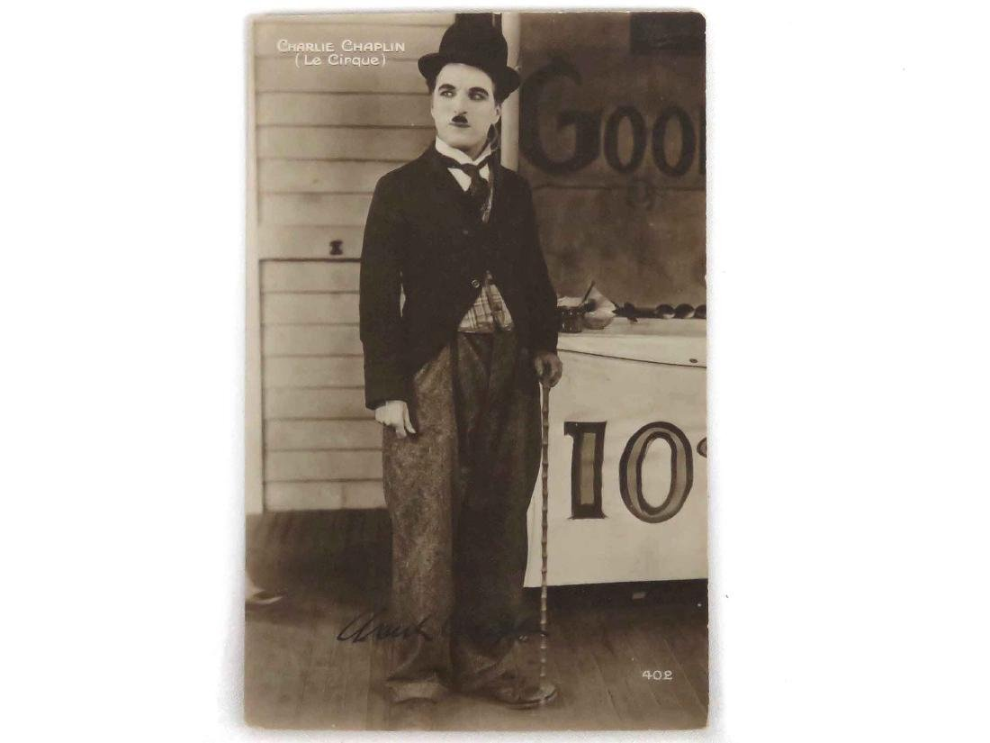 CHARLIE CHAPLIN (ENGLISH COMIC ACTOR 1889-1977),