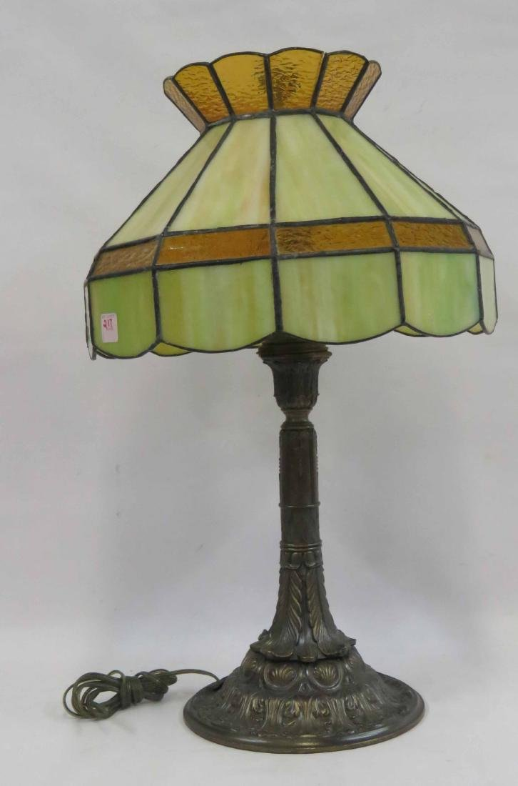 ART DECO STYLE STAINED GLASS TABLE LAMP. HEIGHT 25""