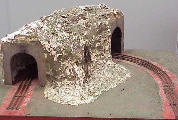 2001: MODEL TRAIN TUNNEL/LAYOUT