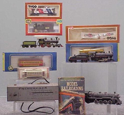2004: LOT ASSORTED HO GAUGE TRAINS, ENGINES