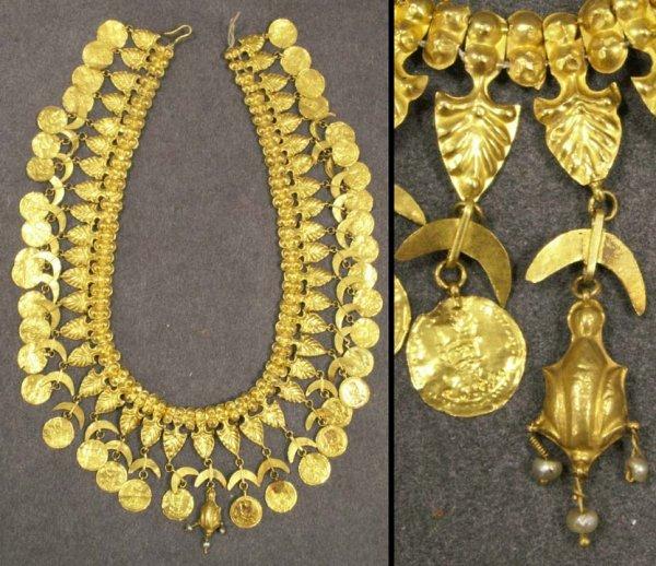 2115: PERSIAN 18K YELLOW GOLD NECKLACE, QAJAR