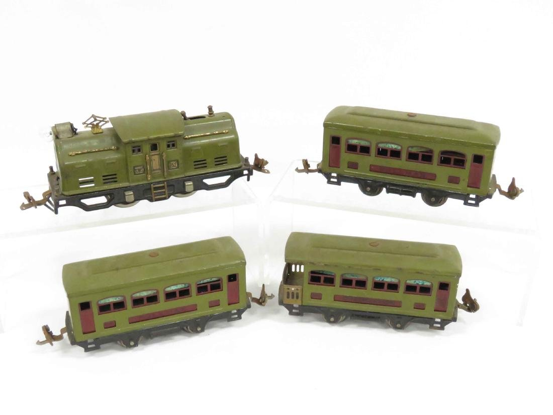 "LOT (4) VINTAGE LIONEL ""O"" GAUGE INCLUDING #252 ENGINE, - 3"