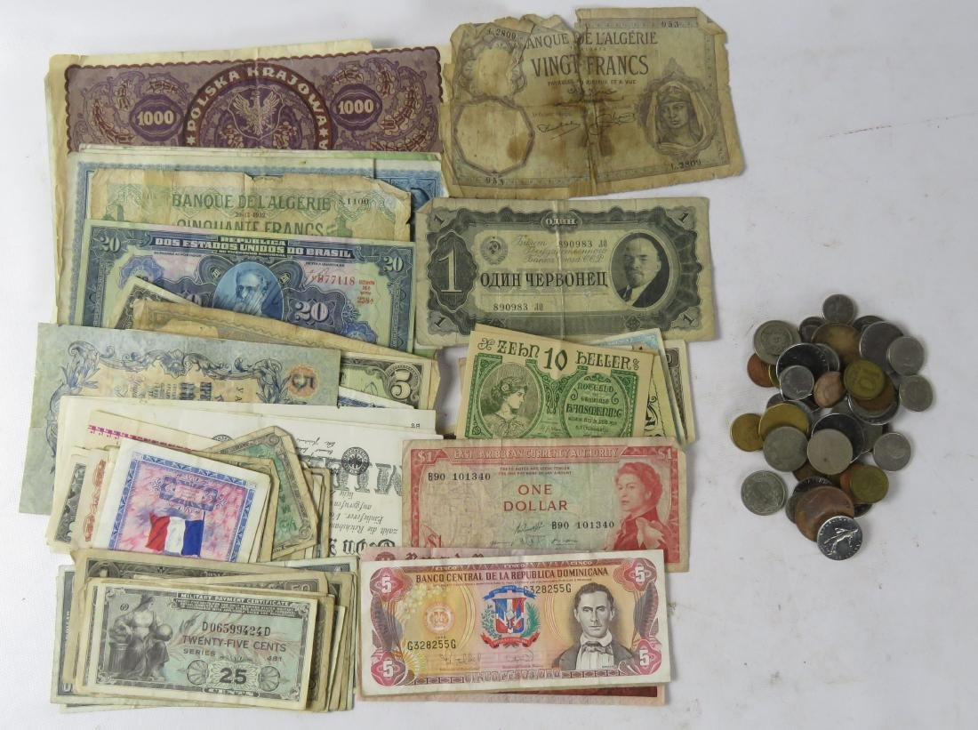 LOT ASSORTED FOREIGN COINS/CURRENCY