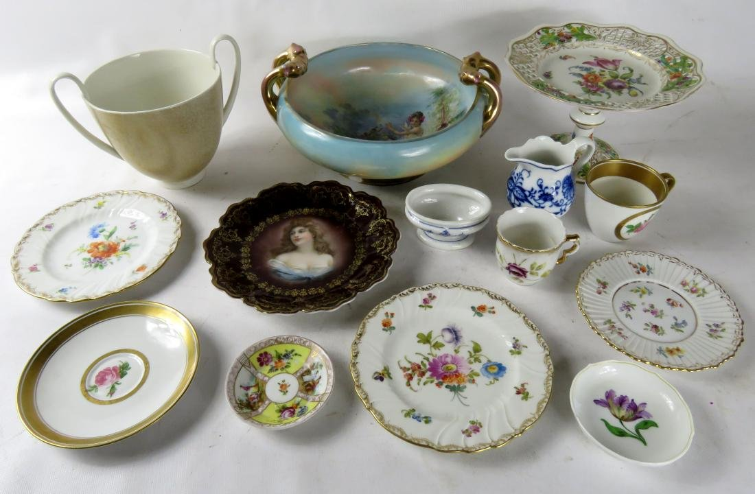 LOT ASSORTED CONTINENTAL DECORATED PORCELAINS INCLUDING