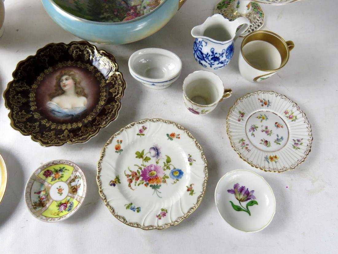 LOT ASSORTED CONTINENTAL DECORATED PORCELAINS INCLUDING - 3