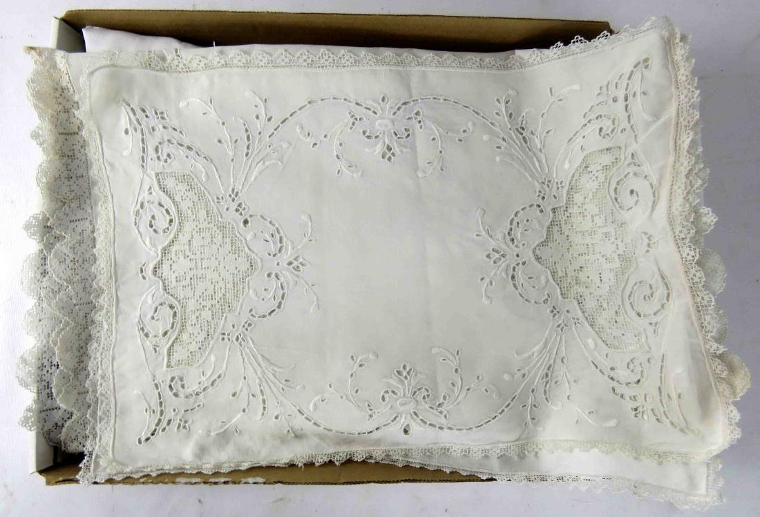LOT INCLUDING LACED LINEN TABLE COVER & TABLE SCARVES