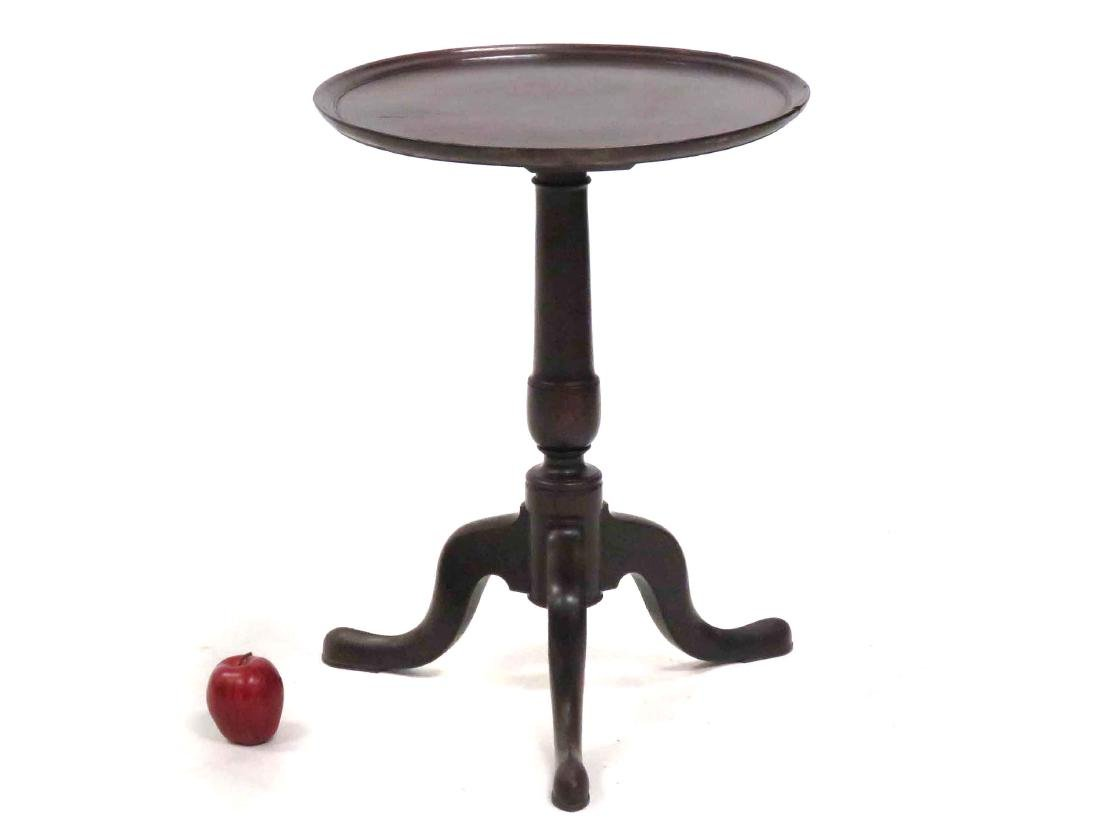 FEDERAL CARVED MAHOGANY DISH-TOP STAND, 19TH CENTURY.