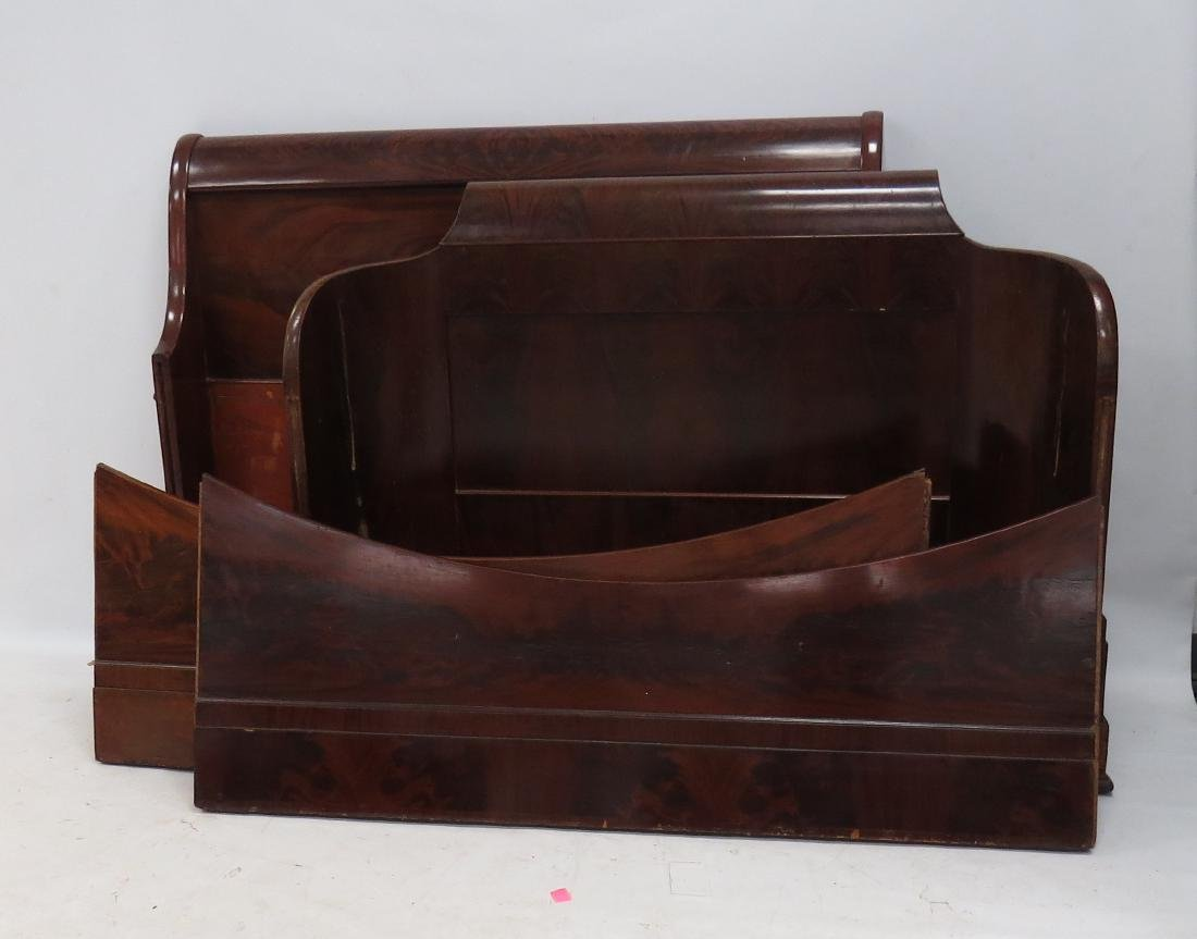 EMPIRE CARVED MAHOGANY SLEIGH BED, 19TH CENTURY. HEIGHT