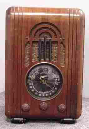VINTAGE ZENITH #5S228 TOMBSTONE RADIO