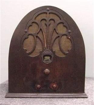 PHILCO MAHOGANY CATHEDRAL RADIO