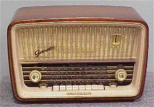 TELEFUNKEN GAVOTTE 5353W MAHOGANY RADIO