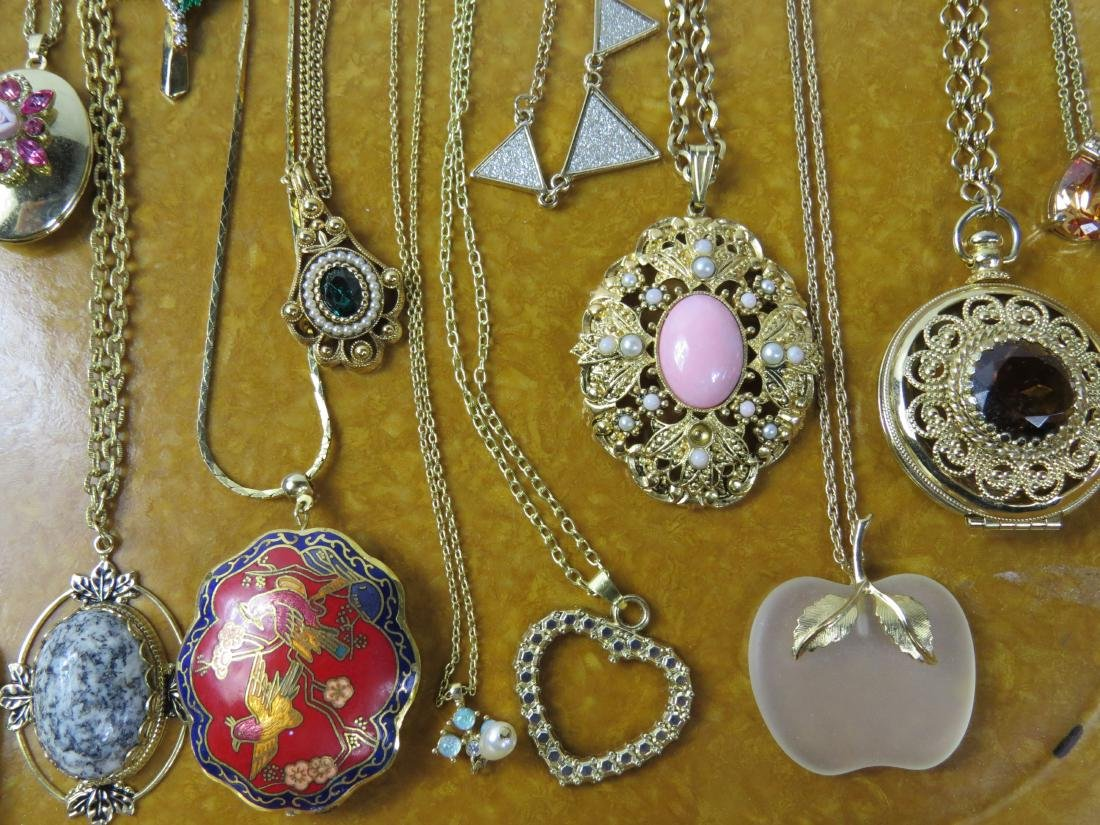 ASSORTED LOT (20) COSTUME JEWELRY NECKLACES - 2