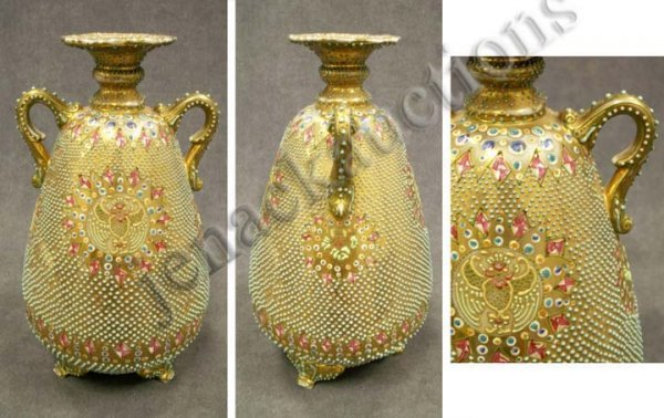 10: HAND PAINTED NIPPON MORIAGE DECORATED VASE