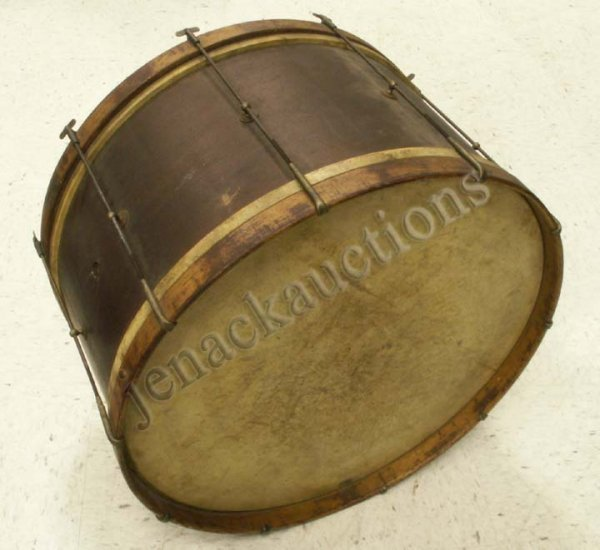 12: EARLY 20TH CENTURY TRAP BIT BASE DRUM, C. 1910